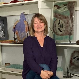 Photo of Dori Settles in her gallery